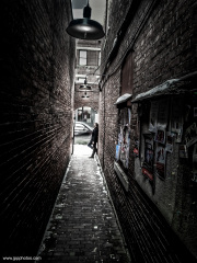 woman-in-the-alley