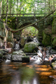 Falls-Brook-Indian-Lake-with-bridge